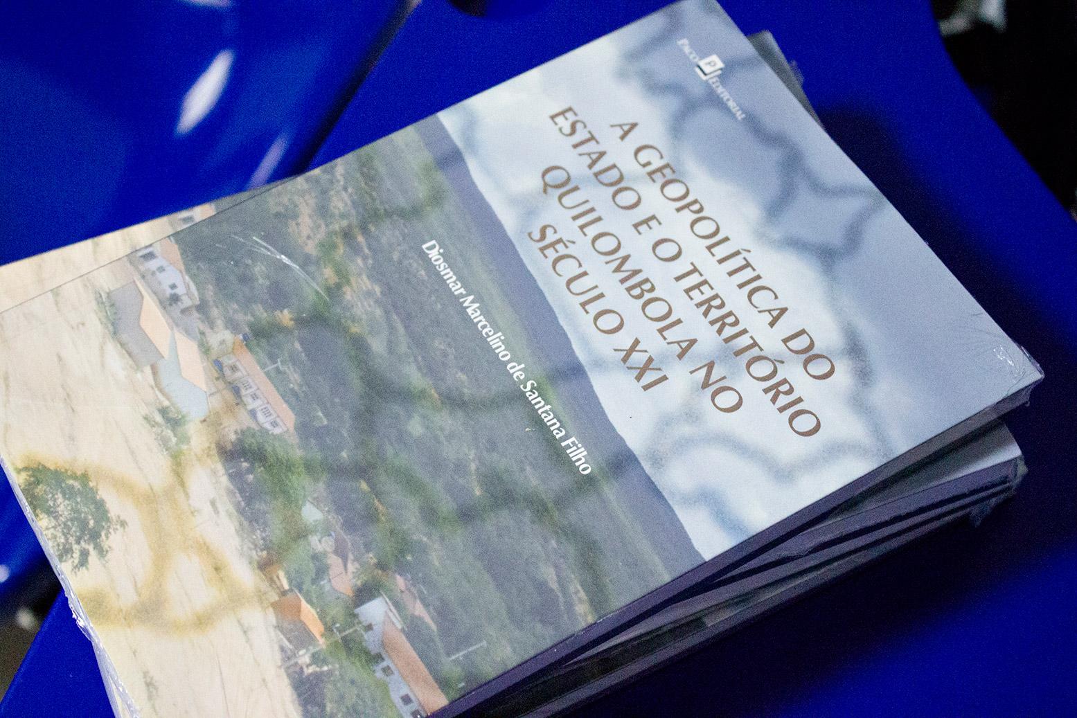 A geopolítica del estado nacional y el territorio Quilombola en el Siglo XXI, de Diosmar Santana